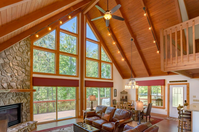 TImber Frame Cabin Interior