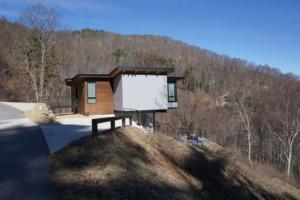 Cantilever Pedestal Home